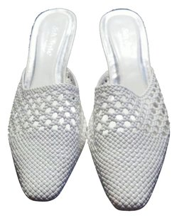 Hush Puppies 10 Mesh White Pumps
