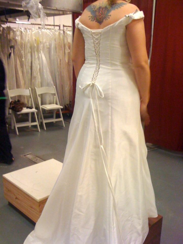 Alfred Angelo Wedding Dresses Reviews : Alfred angelo wedding dress amore dresses