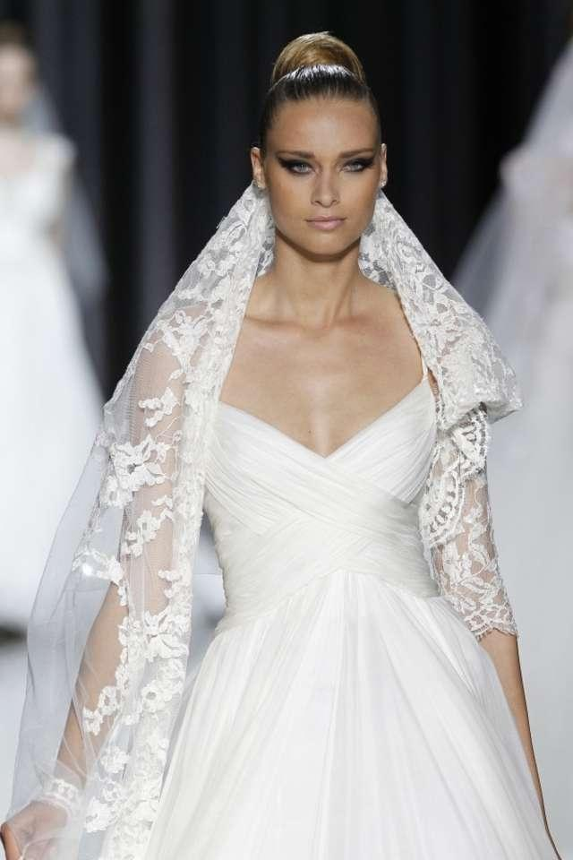 elie saab wedding dress elie saab satis wedding dress tradesy weddings 3880