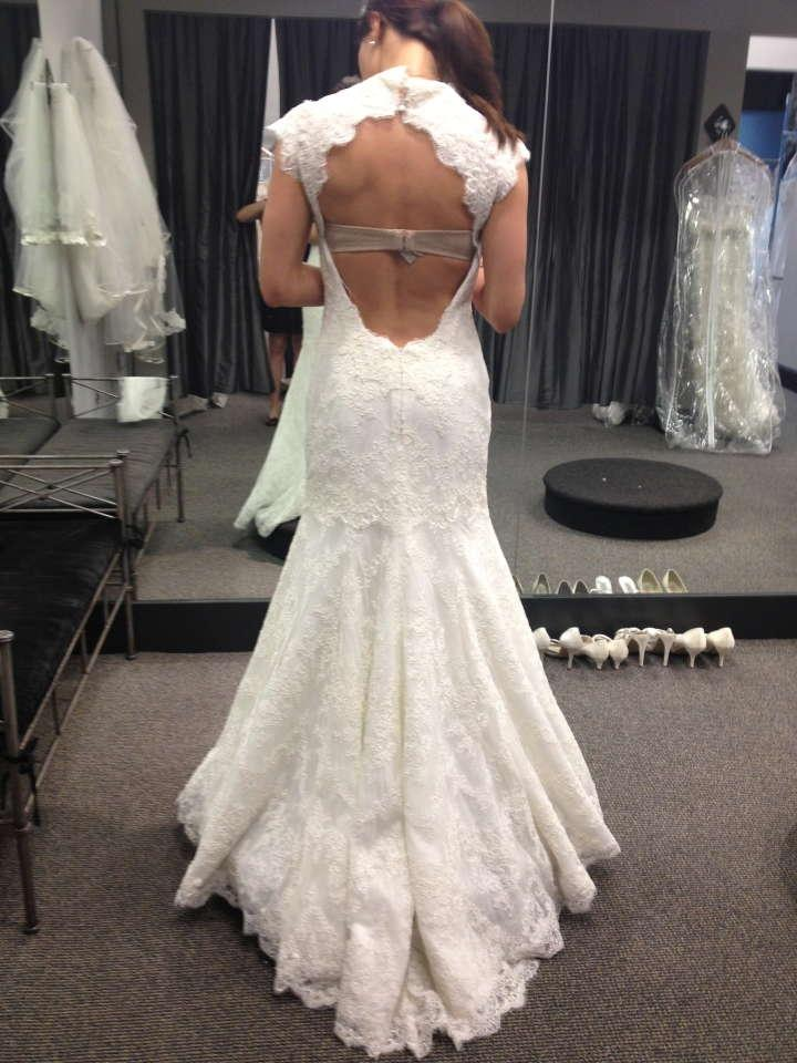 Monique lhuillier wedding dress price list for Wedding dress with back detail