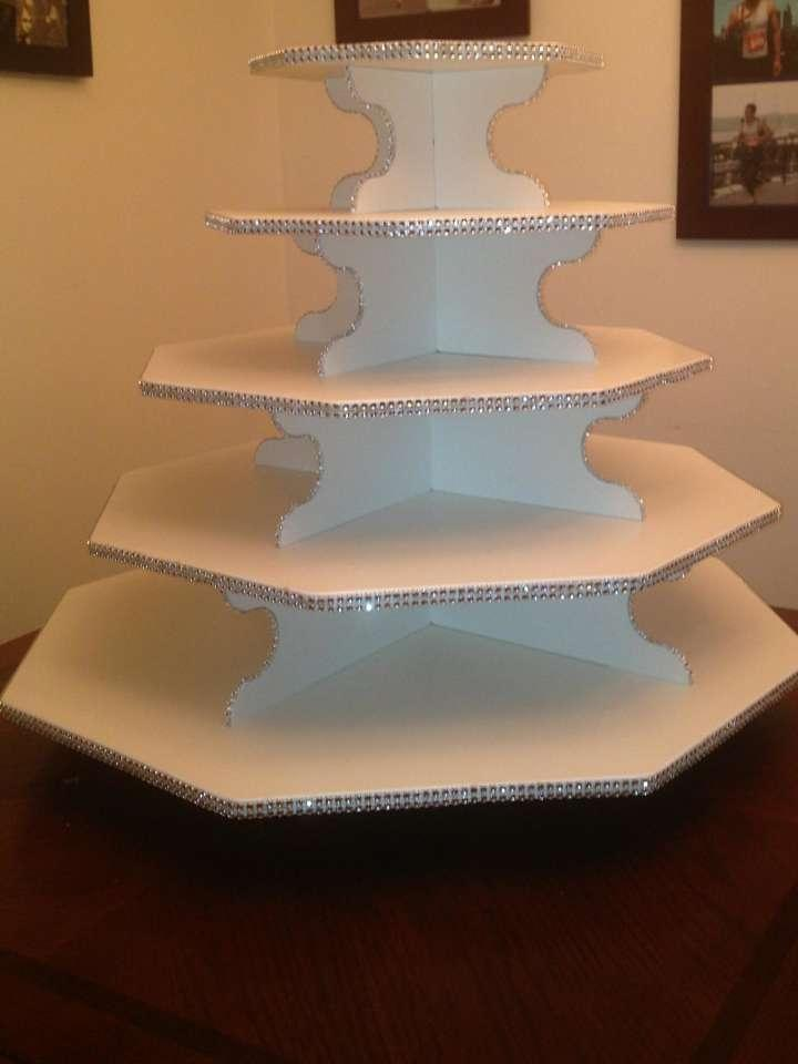 how big should a wedding cake stand be large octagon cupcake stand tradesy weddings 15359