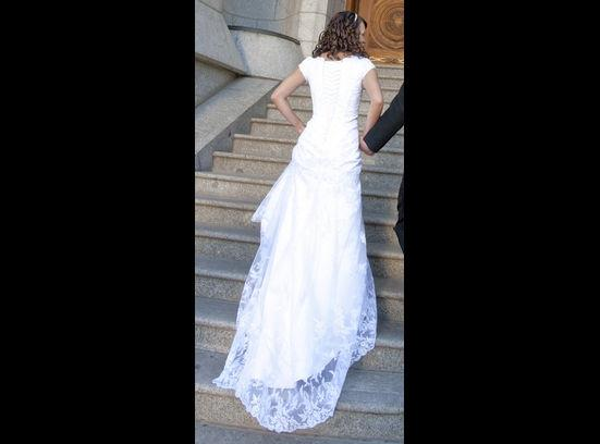 Loose mermaid fit wedding dress tradesy weddings for Loose fitting wedding dresses