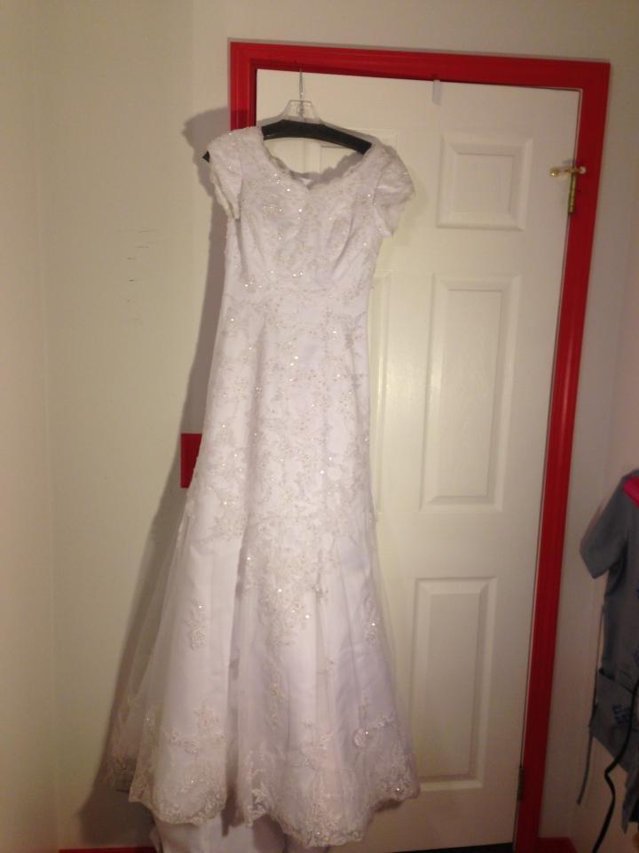 301 moved permanently for Loose fitting wedding dresses