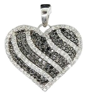 Other Ladies 10k White Gold Heart Love Black White Diamond Pendant Charm For Necklace