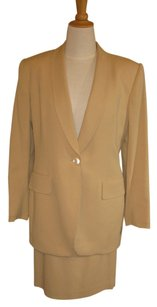 Jones New York Gold Crepe Suit with a Slim Skirt, Size 8