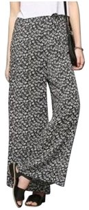 Kimchi Blue Wide Leg Pants Black and white daisy print