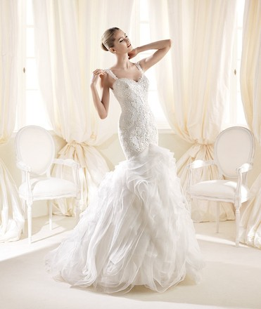 Preload https://item2.tradesy.com/images/la-sposa-off-white-lace-and-organza-inatti-formal-wedding-dress-size-8-m-2210216-0-0.jpg?width=440&height=440
