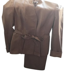 Le Suit Le Suit- Taupe Brown Polyester Jacket Pants Suit W/attached Belt