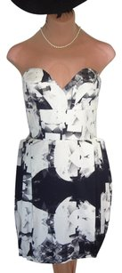 Lipsy New With Tags Priced To Sell Design Super Cute Dress