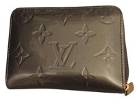 Louis Vuitton Authentic Louis Vuitton Vernis Monogram Zippy Coin purse silver