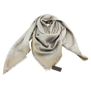 Louis Vuitton Brand New Authentic LV Shiny Beige Monogram Shine Shawl & Wrap M75121