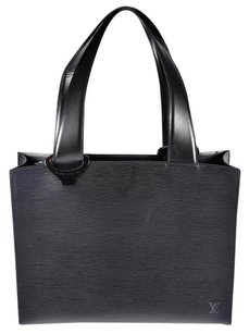 Louis Vuitton Epi Lv Leather Tote in Black