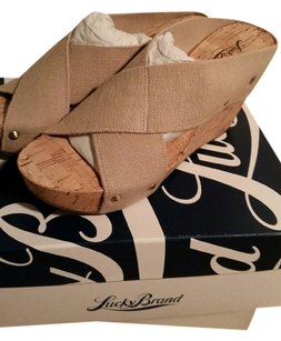 Lucky Brand Natural Base Wedges