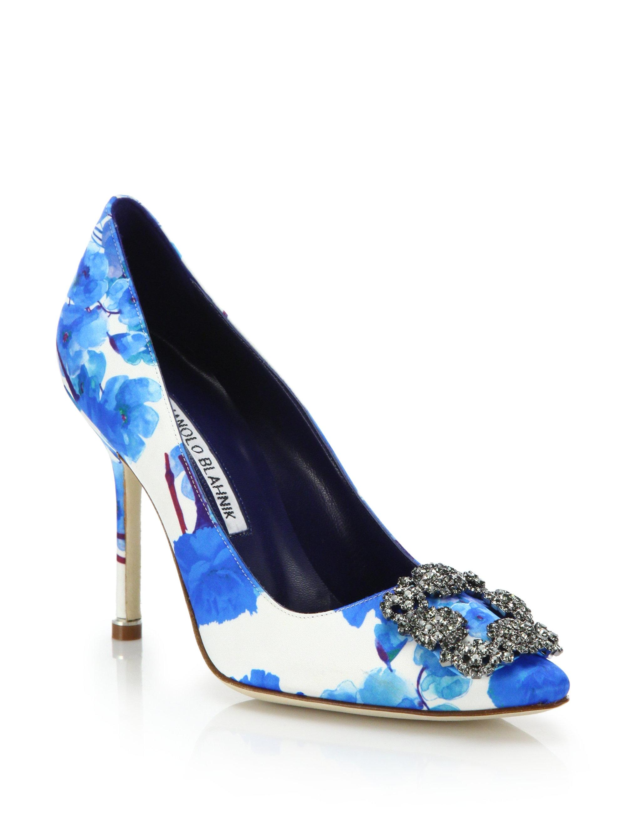 944aa5dc6dd3 Manolo Blahnik Blue and White Hangisi 105 High-heel Satin Satin Satin  Floral Pumps Size