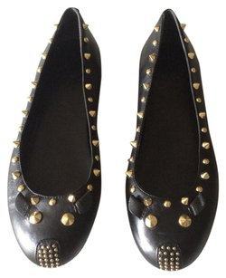 Marc by Marc Jacobs black and gold Flats