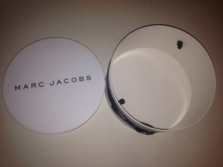 Marc Jacobs New Marc jacobs round makeup storage 8 x 8 x 3.75