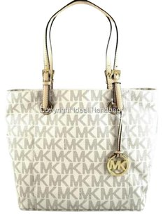 Michael Kors Shoppers Tote in Ivory