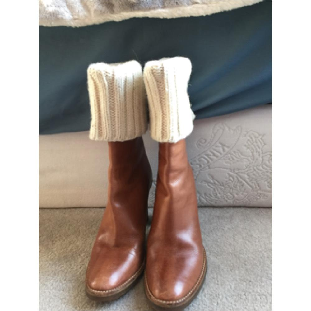 Michael kors brown shoe, wore a few times . Its in style bt also vintage