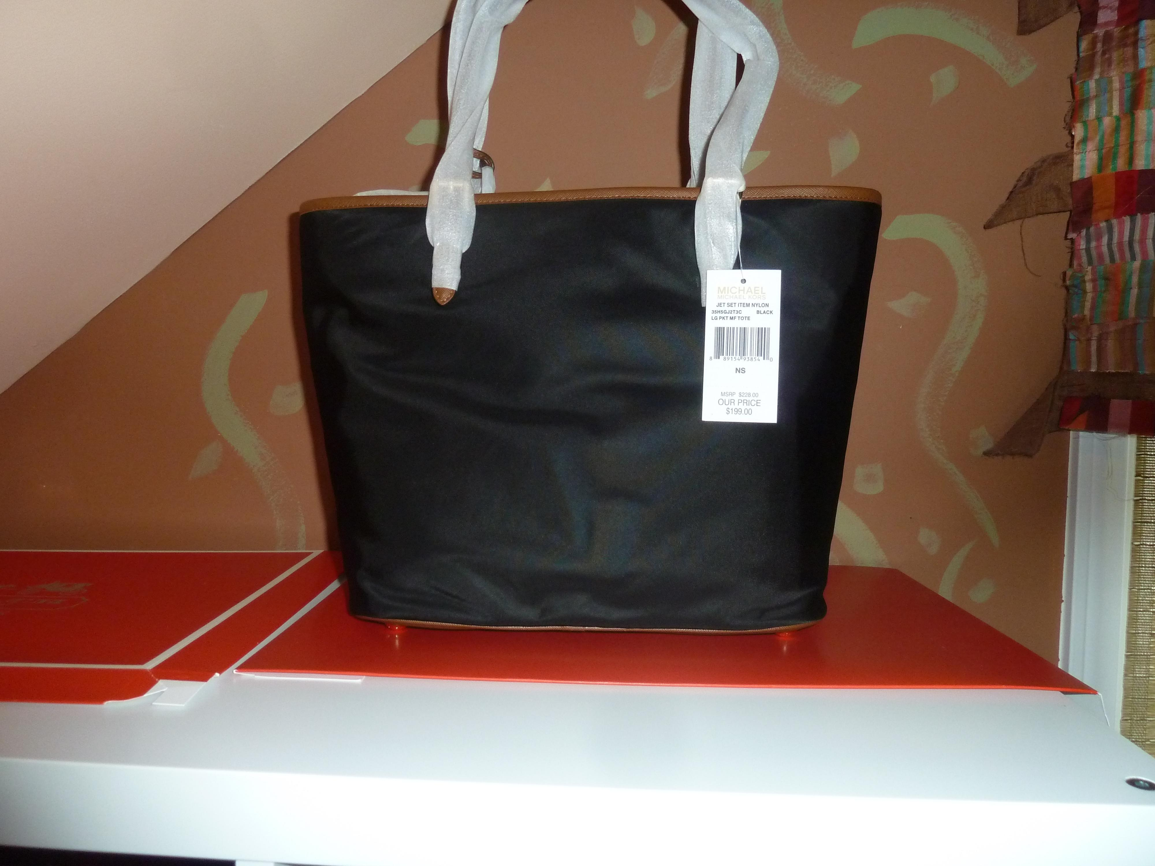 Michael Kors Nylon Large Multi Function Pocket Black Tote Bag on ...