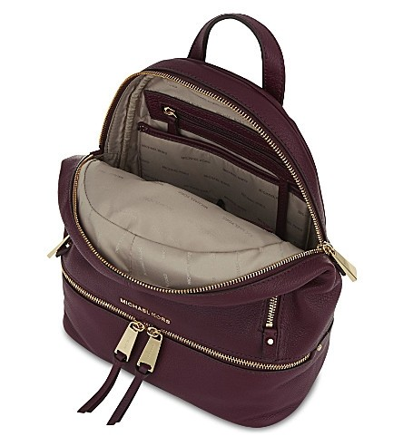 566b2b988d61b ... get michael kors rhea zip small school travel plum leather backpack  tradesy 27cff 33aae