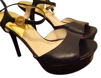 MICHAEL Michael Kors Gold Highheels Black Platforms
