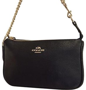 New With Tag Coach Pebbled Leather Wristlet Cross Body Bag