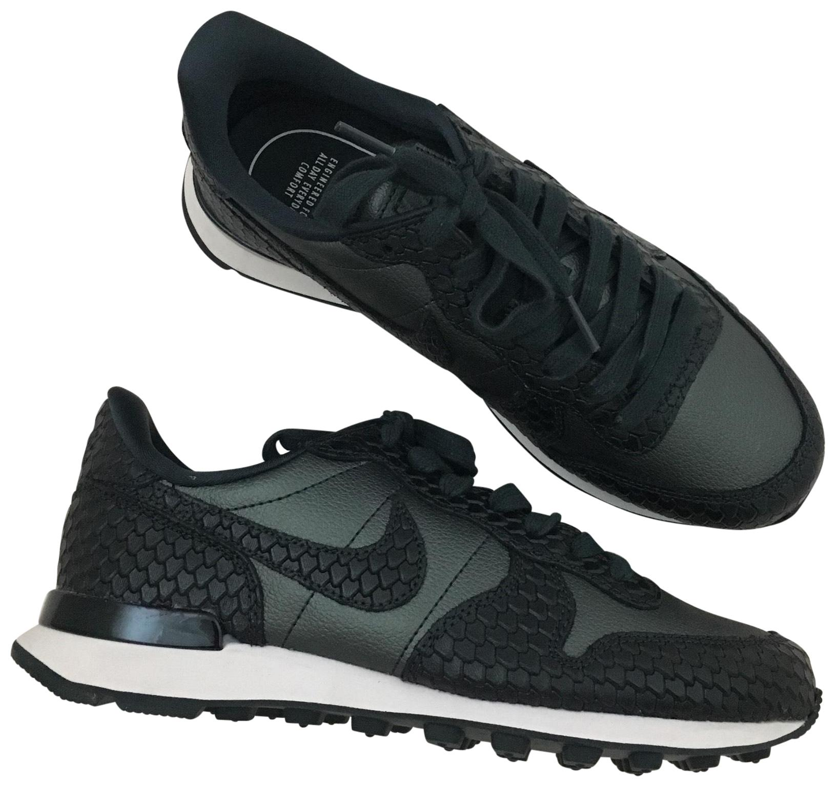 Nike The Women's Internationalist Premium Sneakers. The Nike Vintage Running Upper Sits On A Traditional Running Sole with A Sneakers Size US 7 Narrow (Aa, N) 5b491a