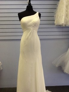 6200 Wedding Dress