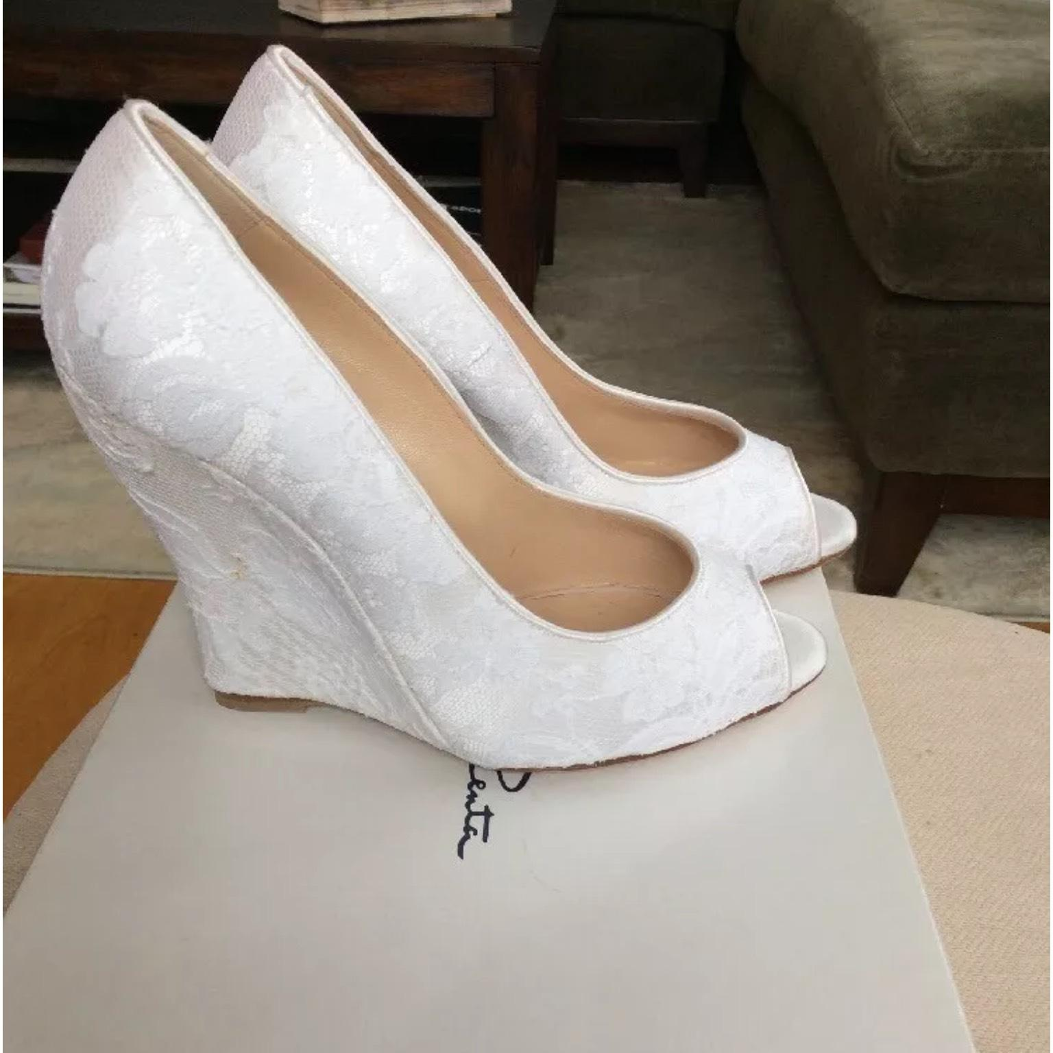 oscar de la renta wedding shoes oscar de la renta white odlr bridal wedges size us 6 5 6314