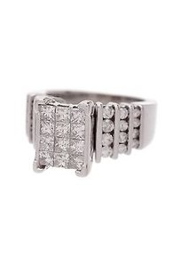 14k White Gold Diamond Cocktail Ring Size 7