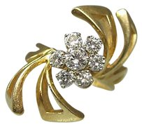 14k Yellow Gold Ladies Form Diamonds Flower Ring