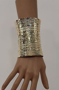 B. Women 4 Long Gold Cuff Metal Bracelet Trendy Fashion Leaves Design