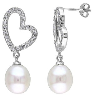 Other Silver 0.92 Ct White Topaz And 9.5-10 Mm Freshwater Heart Pearl Earrings