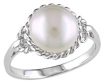 9 - 9.5 Mm White Freshwater Pearl Fashion Ring In Sterling Silver