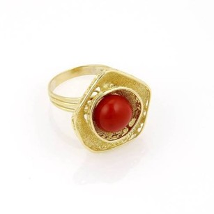 H. Stern 18k Yellow Gold Coral Cabochon Solitaire Ring