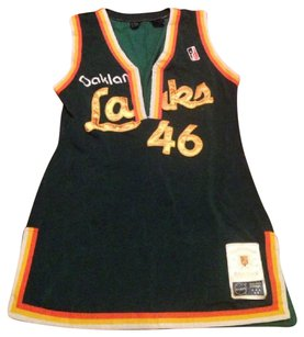 Other size L fits more like a Medium, 1990s Lakers