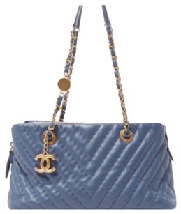 Chanel Vintage Leather Lambskin Tote in Blue
