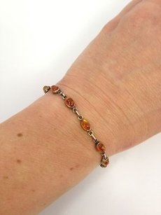 Vintage Amber Bracelet Clasp Silver Color Metal Classic Gift B505