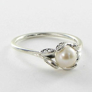 PANDORA Pandora 190967p Ring 5.25 Luminous Leaves Pearl Cubic Zirconia 925