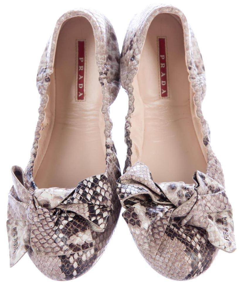 cheap really buy cheap cost Prada Embossed Round-Toe Loafers r2mAtLk