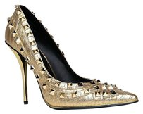 Privileged Gold Pumps