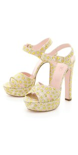RED Valentino Ivory Daisy Floral Print Canvas Sandals 737 Yellow Platforms