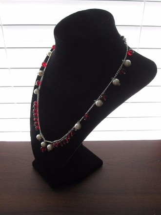 SummerMatcha Princess Monoco Choker Necklace - Faceted Ruby Red Crystal Beads and Smooth Milky White Pearl Beaded Chain Necklace