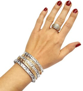 Roberto Coin 18 Karat White Gold Bracelet With Engraved Zebra pattern