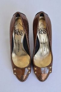 Rock & Republic Bronze Brown Metallics Pumps