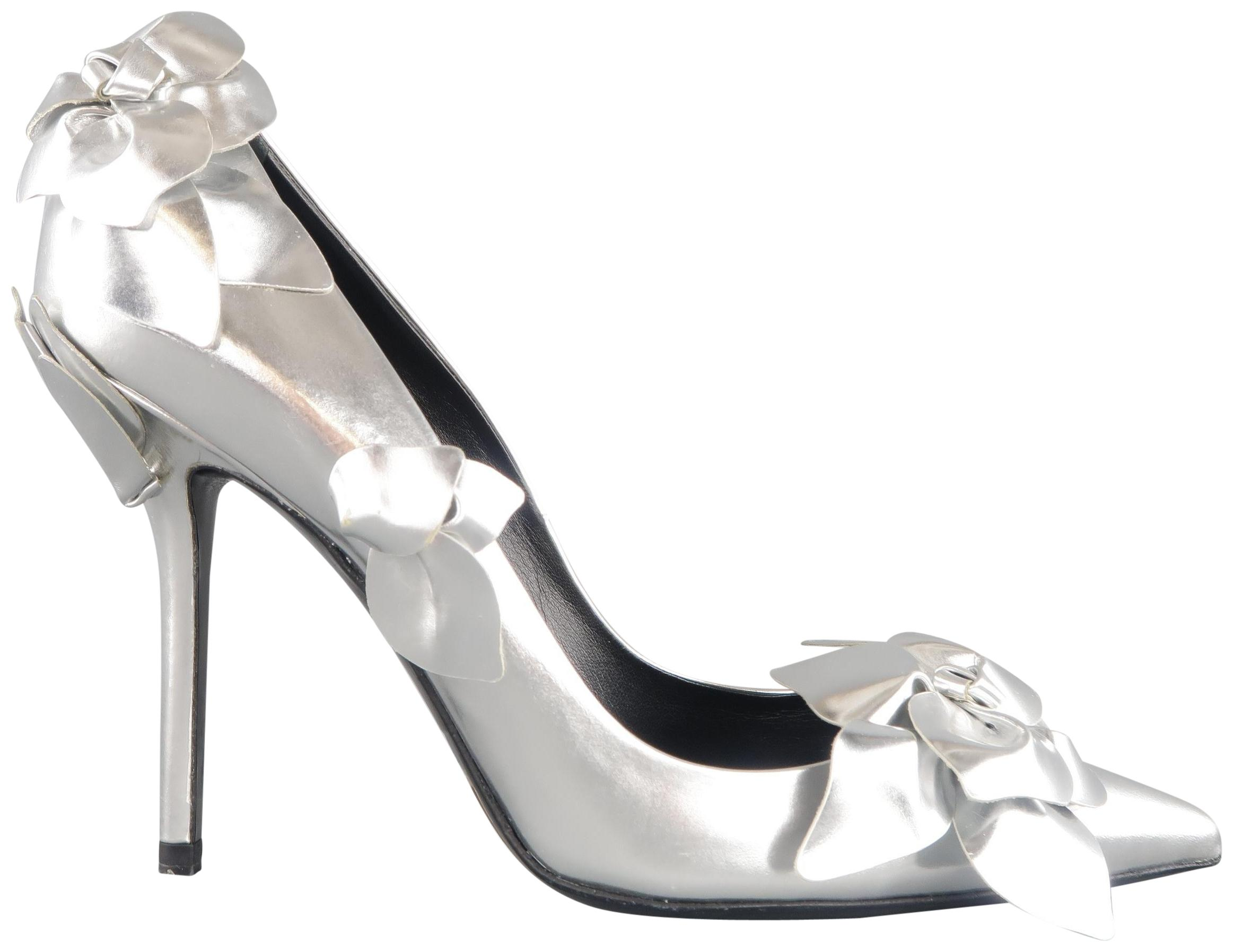 88739e0dc93 Roger Vivier Silver Silver Silver Leather Pointed Toe