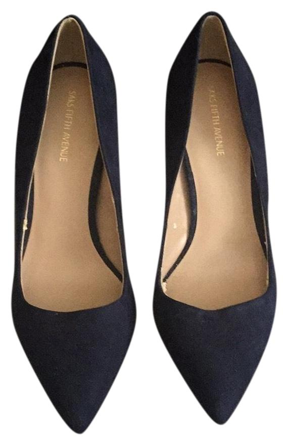 Saks Fifth Avenue Navy Pointy-toe Suede Pumps Size US 7 Regular (M, B)