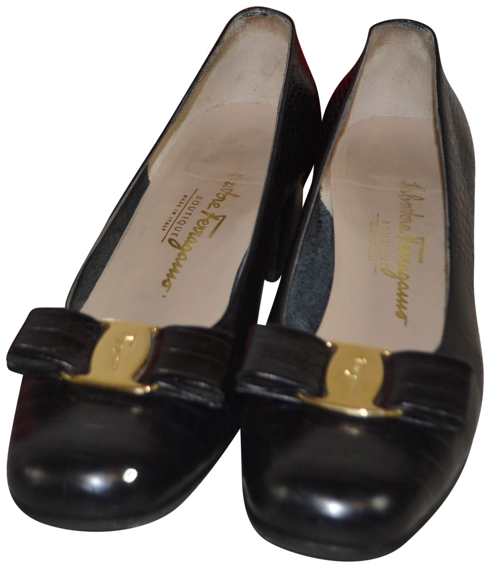sale Manchester outlet good selling Salvatore Ferragamo Vara Bow Embossed Pumps pay with visa sale online clearance store cheap online supply for sale 1vbQr