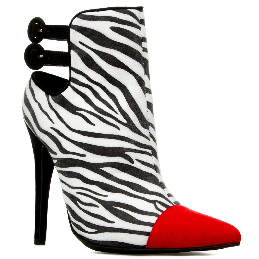how to wear animal print scart with red shoes