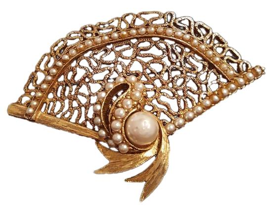 Signature Florenza Victorian Pearls Fan Brooch Pin